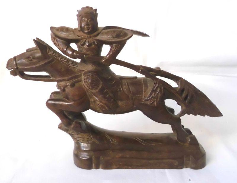 dekorative alte skulptur aus holz chinese mongole samurai mit pferd um 1920 gebraucht kaufen bei. Black Bedroom Furniture Sets. Home Design Ideas